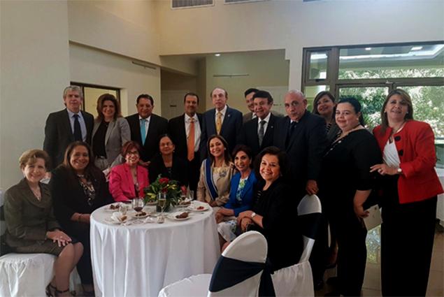Government of El Salvador awards former Ambassador of Belize