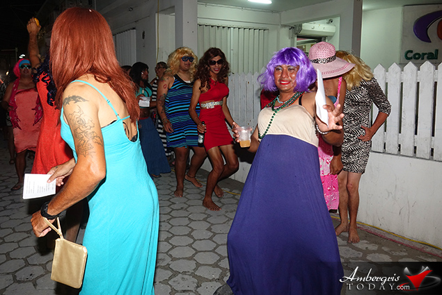 Carnaval 2018 Day Three - Barbies Shake to Scooby Doo Pa Pa