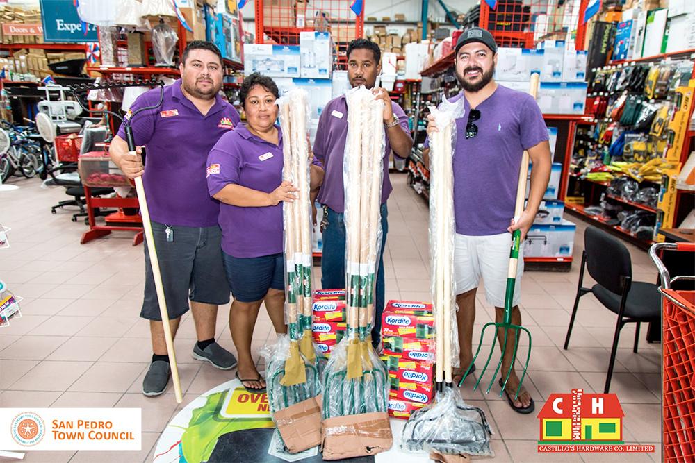 San Pedro Fights Back Against the Smelly Sargassum