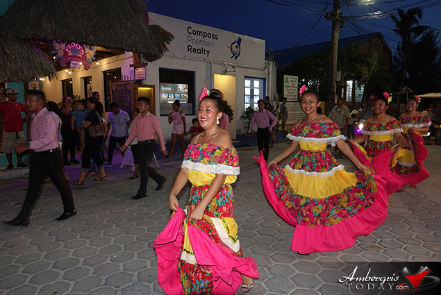 Noche Centro Americana Celebrated in San Pedro