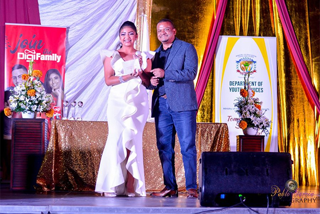 Nayobie Rivero Wins Minister's Award at Belize Youth Awards Gala