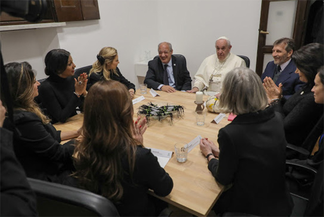 Mrs. Kim Simplis Barrow visits His Holiness Pope Francis