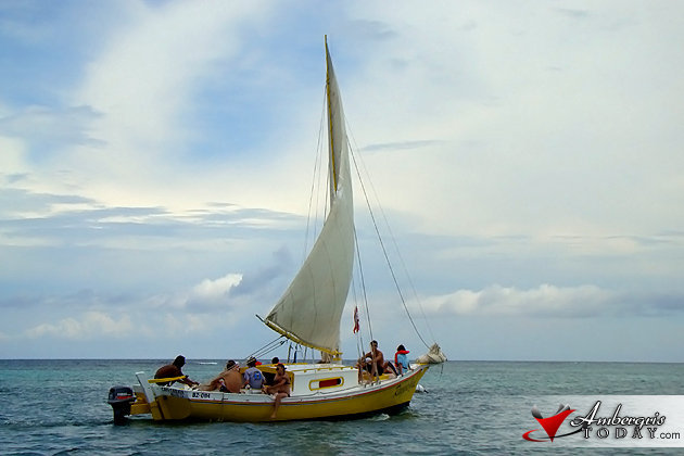 Sailing on board a sandlighter, Ambergris Caye