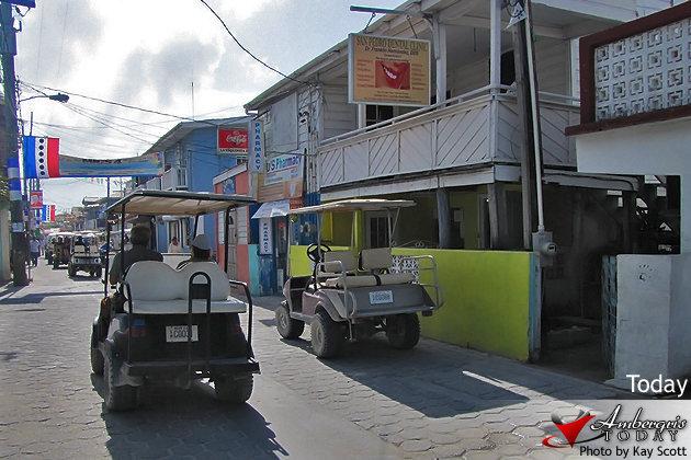Ambergris Caye, San Pedro Streets - Pescador Drive