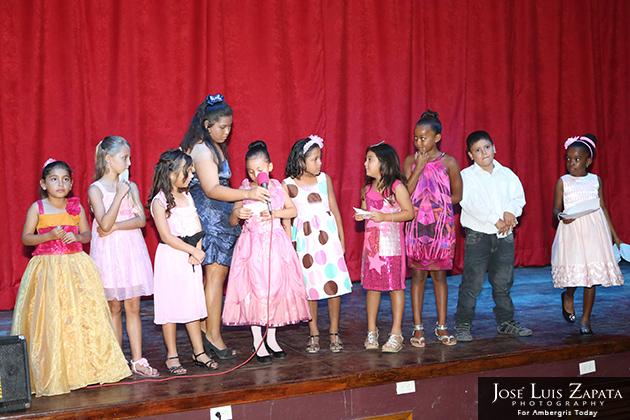 Isla Bonita Elementary School's Mother's Day Show