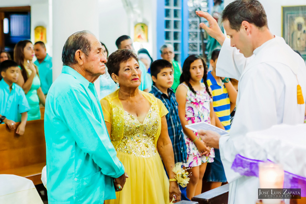 Aldo and Patricia Marin Celebrate 50th Wedding Anniversary