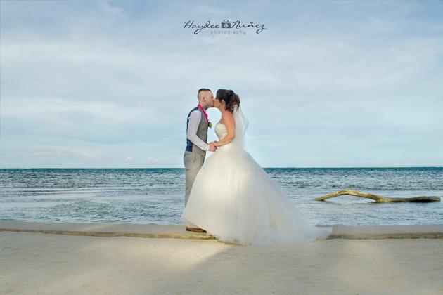 James Edge and Lindsey Crimmins Nuptials on Ambergris Caye