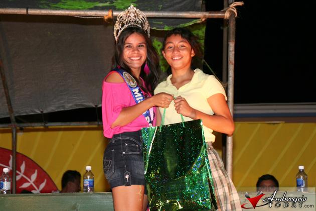 Yolanie Sutherland (1st Place Winner) and Miss San Pedro - Yakarelis Hernandez