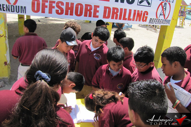 Isla Bonita Elementary School signing the petition against Offshore Drilling in Belize