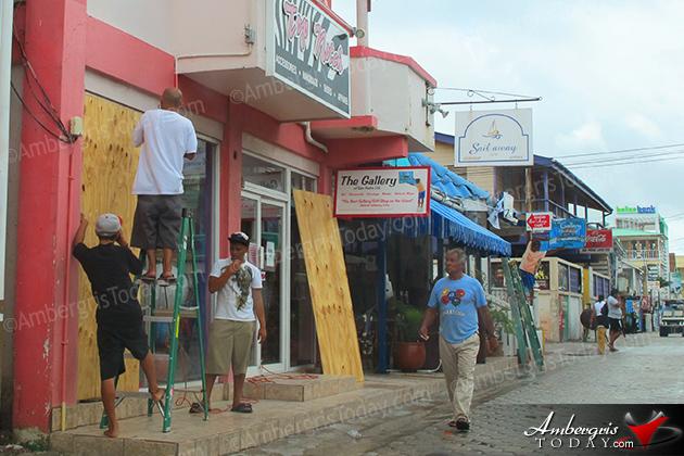 San Pedro, Ambergris Caye Prepairs for Ernesto's Impact