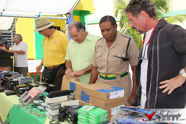 Donation Arms San Pedro Police to Help Combat Crime