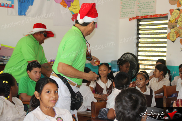 San Pedro Town Council Spreading Christmas Cheer