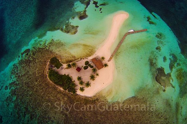 Aerial view of Cayo Espanto, off Ambergris Caye, Belize