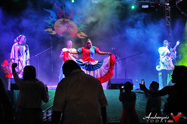 """Rounding up the evening's entertainment was Hawaiian native and reggae artist J Boog who delighted with his hit songs of """"Let's do it again"""" and """"Sunshine Girl."""" The party continued under the party tent as Dj music kept the crowd going until the wee hours of the morning."""