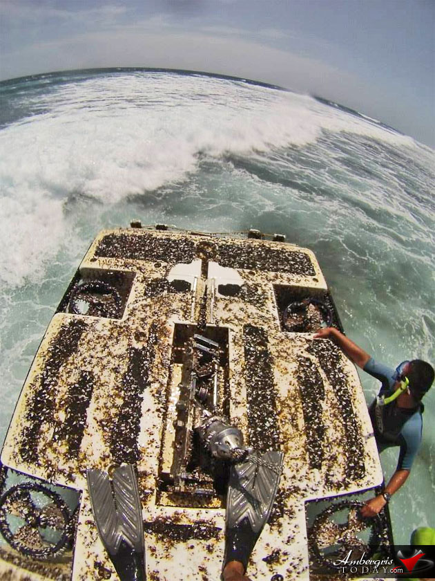 Underwater Submersible Runs Aground on Reef Off Ambergris Caye