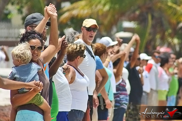 San Pedro Joins Hands Across the Sand in Support Against Offshore Oil Drilling