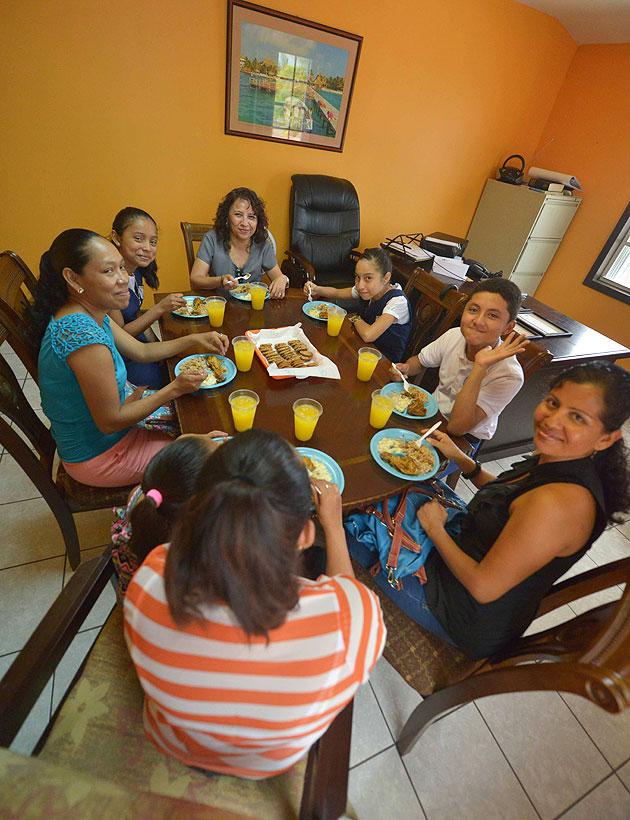 Hon. Manuel Heredia Awards Top Island PSE Students