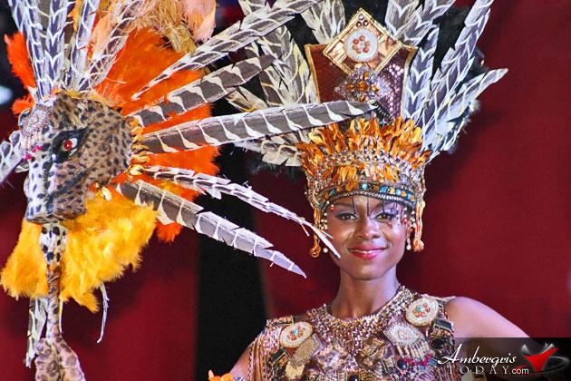 Miss Honduras Gabriela Vanessa Salazar crowned Miss Costa Maya 2015