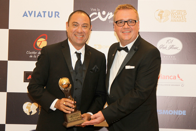 Mr Einer Gomez, Vice-Chairman of the Belize Tourism Board with Chris Frost, Vice President, World Travel Awards