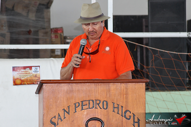 Super Bowl Champion NFL Player Talks to San Pedro High School Students