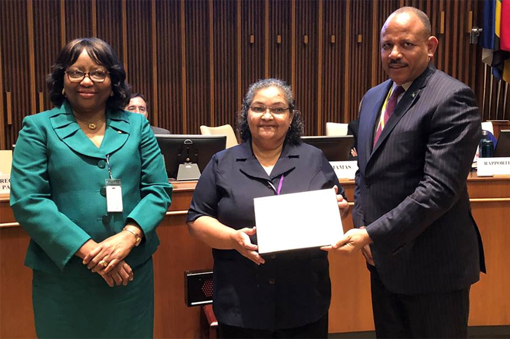 Belizean Health Official Receives 2018 PAHO Award