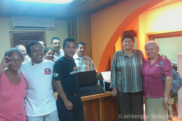 SP AIDS Commission Receive Computer Donation