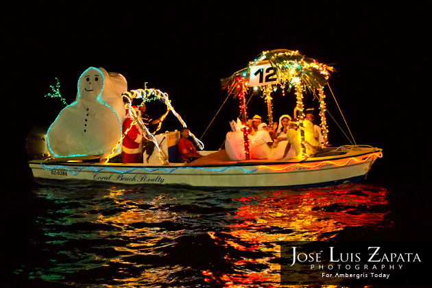 Boat Parade Kicks off Christmas