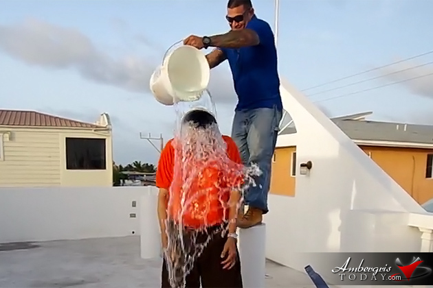 San Pedro Mayor Daniel Guerrero and Residents Take on Ice Bucket Challenge