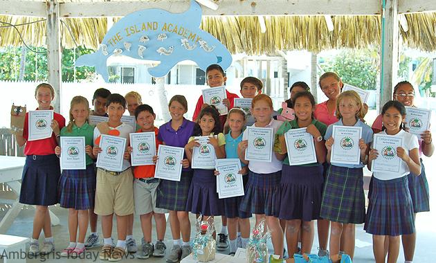 Island Academy Students Graduate Be Kind Belize Program