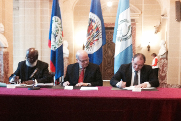 Belize/Guatemala Minister Strengthen Relations