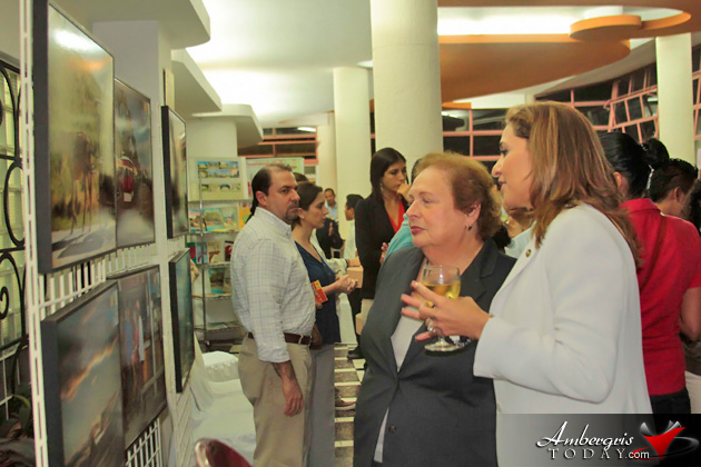 El Salvador's Ministry of Culture Hosts Discovering Belize Exhibit