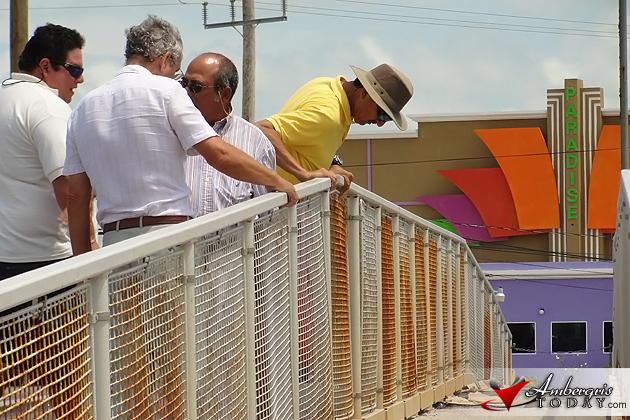 Mayor Daniel Guerrero inspeciting Boce del Rio Bridge