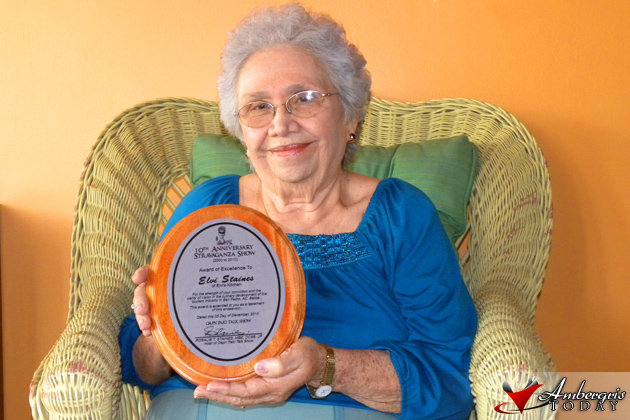 Mrs. Elvia Staines awarded at Oapn Paki 10th Anniversary Show
