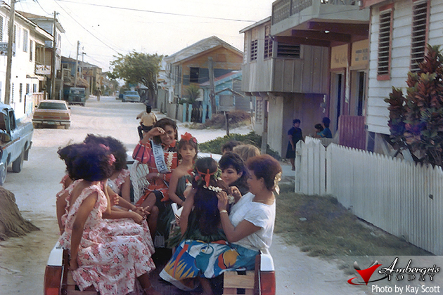 Miss World parading the streets of San Pedro