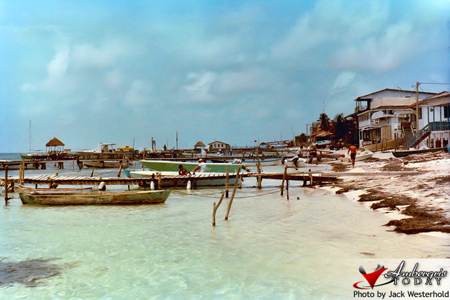 San Pedro, Ambergris Caye Beach -Cholo's Bar, Lily's Restaurant and Conch Shell