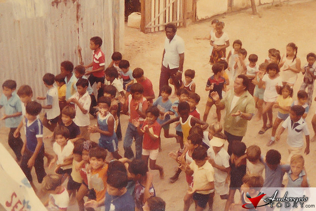 Local Sanpedranos parading for September 21, Independence Day in 1984