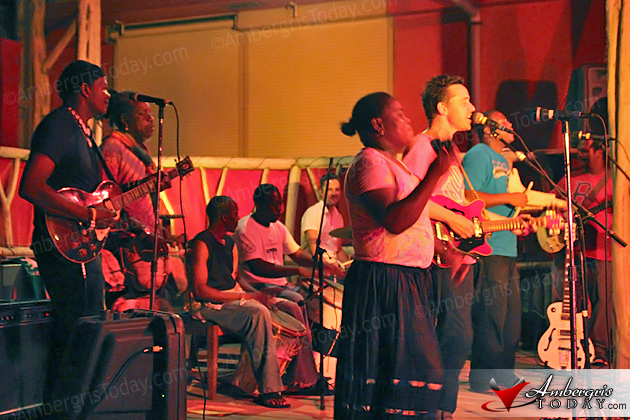 Danny Michel, Garifuna Collective Prepare for Tour, Perform at Rojo Lounge