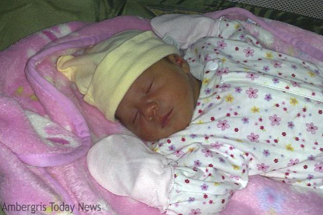 It's a Girl!! - Jennia Jazmin Castellanos