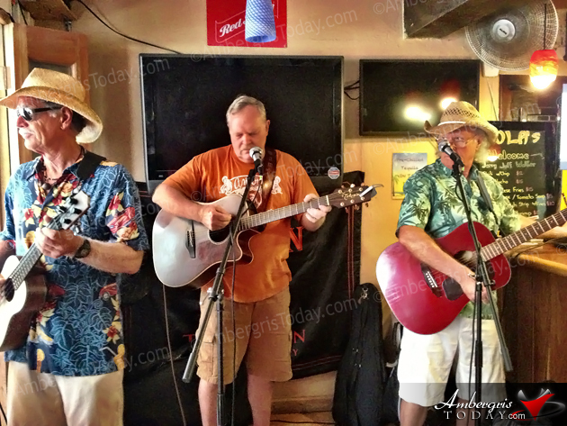 Open Mic Picking Party at Lola's Pub during Jerry Jeff Walker Camp Belize 2013