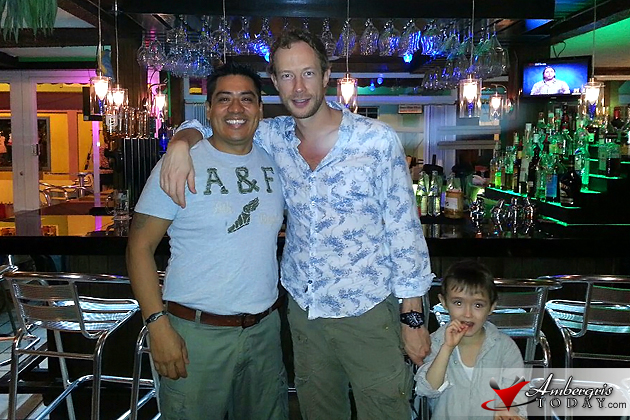 Kris Holden Reid having dinner at Caramba Restaurant, vacationing in Belize