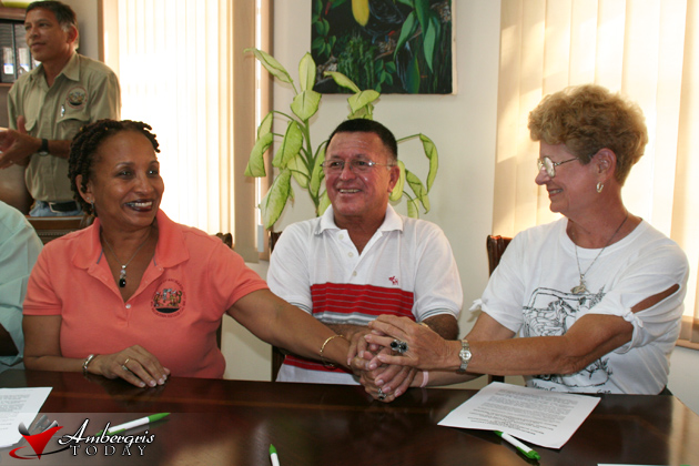 Signing of SI and MOU for Marco Gonzalez