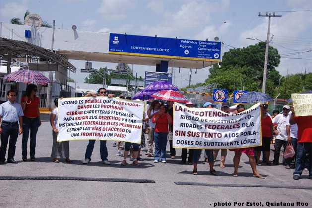 Mexican Vendors Block Belize Border Bridge in Protest of Loss of Business
