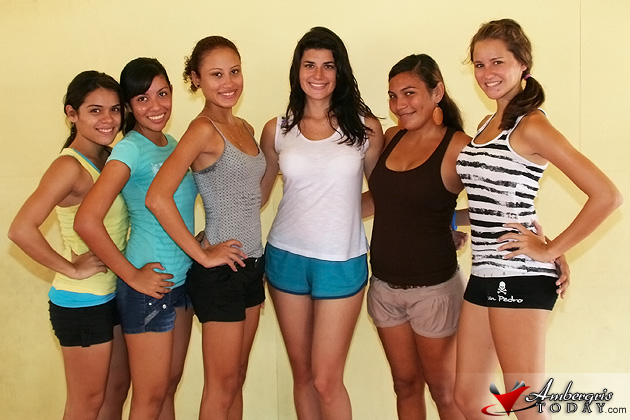 Miss Costa Maya 2011 trains Miss San Pedro 2011 Delegates