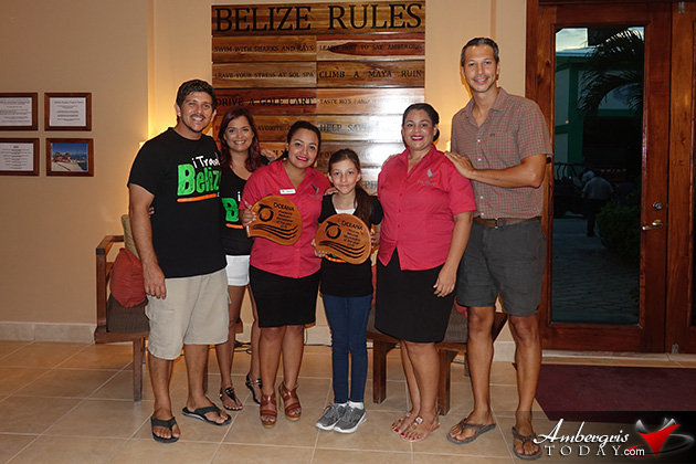 Wavemakers of the Year Awarded to iTravel Belize and The Phoenix Belize