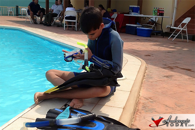 14 Year Old Rowan Garel to Dive Belize's Blue Hole