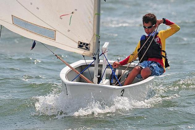 Sailing Club Works on Children's Training Program