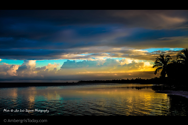 San Pedro, Ambergris Caye Sunset - Photo by Jose Luis Zapata Photographer