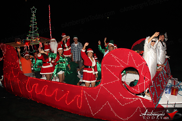 El Secreto Resort Tops Holiday Lighted Boat Parade 2012
