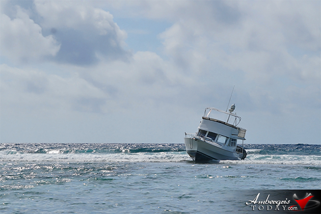 Thirty-nine Foot Vessel Runs Into Reef Outside Ambergris Caye
