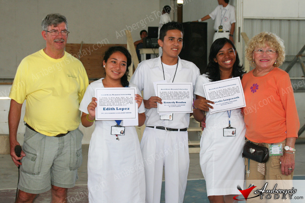 SPHS Students Receive Scholarships